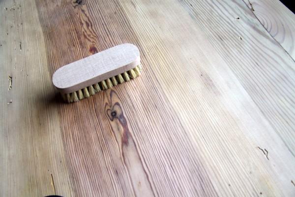 Holzstaub entfernen