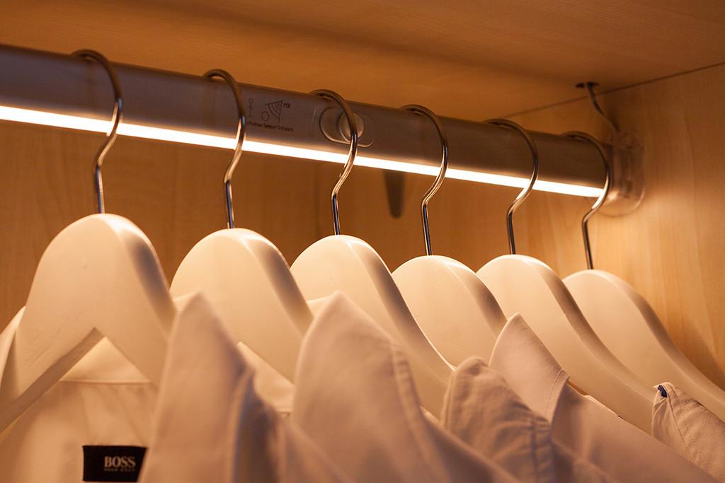 LED-Kleiderstange